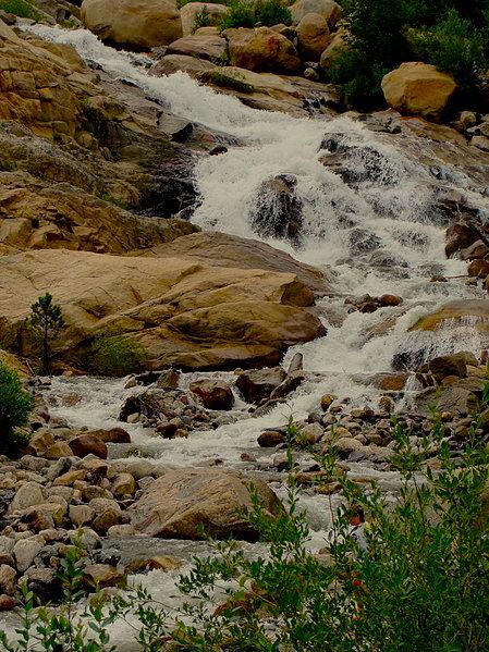 449px-Alluivial_Fan_Falls_Rocky_Mountain_National_Park_USA