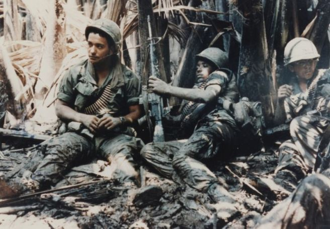 800px-us-army-troops-taking-break-while-on-patrol-in-vietnam-war