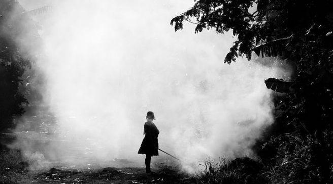 800px-Woman,_Smoke_(Imagicity_717)