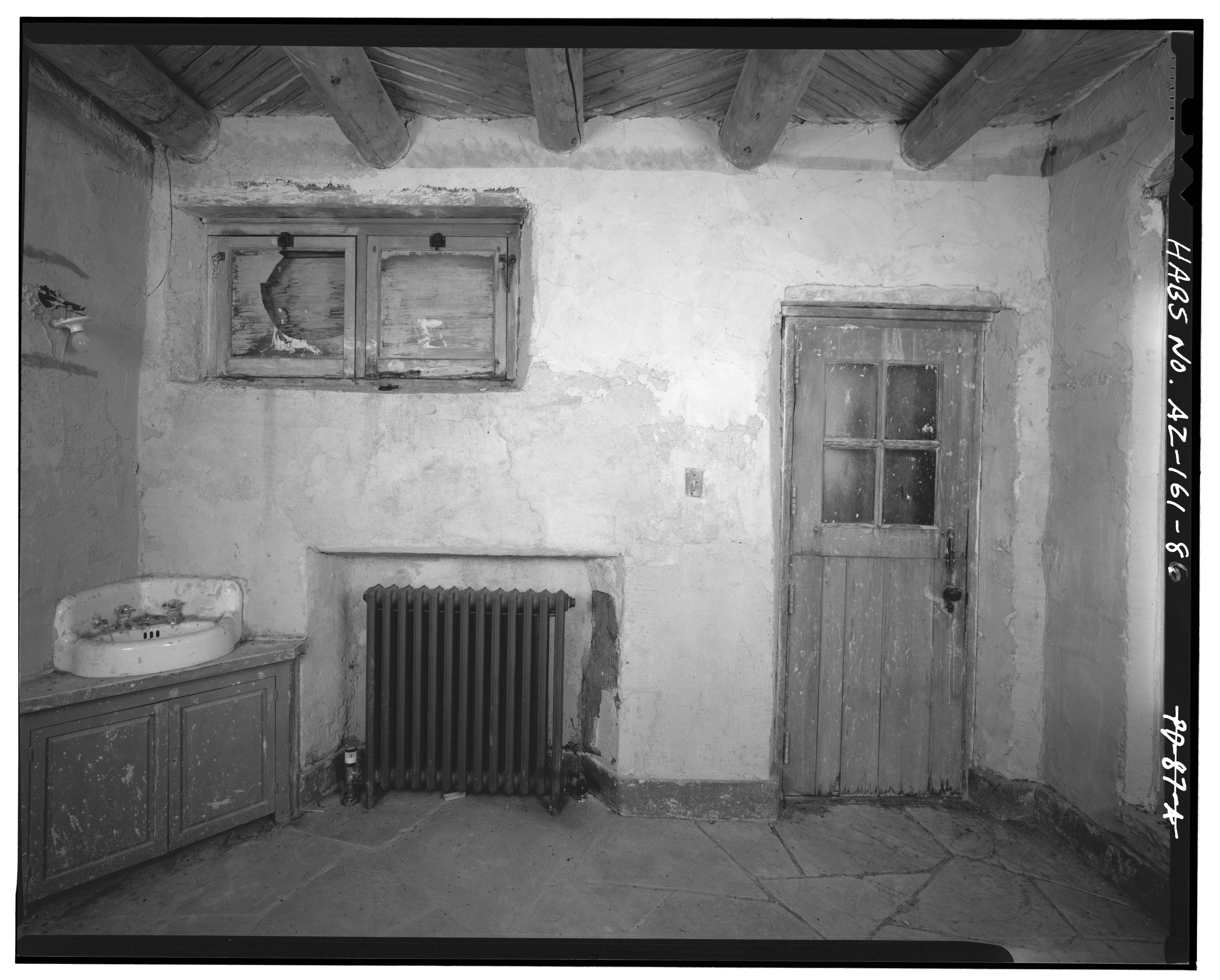 ROOM_12_WEST_WALL,_LOOKING_WEST_-_Painted_Desert_Inn,_Navajo,_Apache_County,_AZ_HABS_ARIZ,1-NAVA.V,1-86.tif